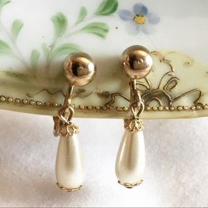 SARAH COVENTRY 80S DROP FAUX PEARL EARRINGS